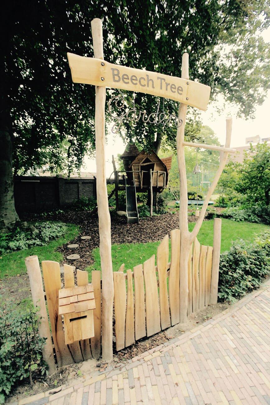 houten ingang speeltuin