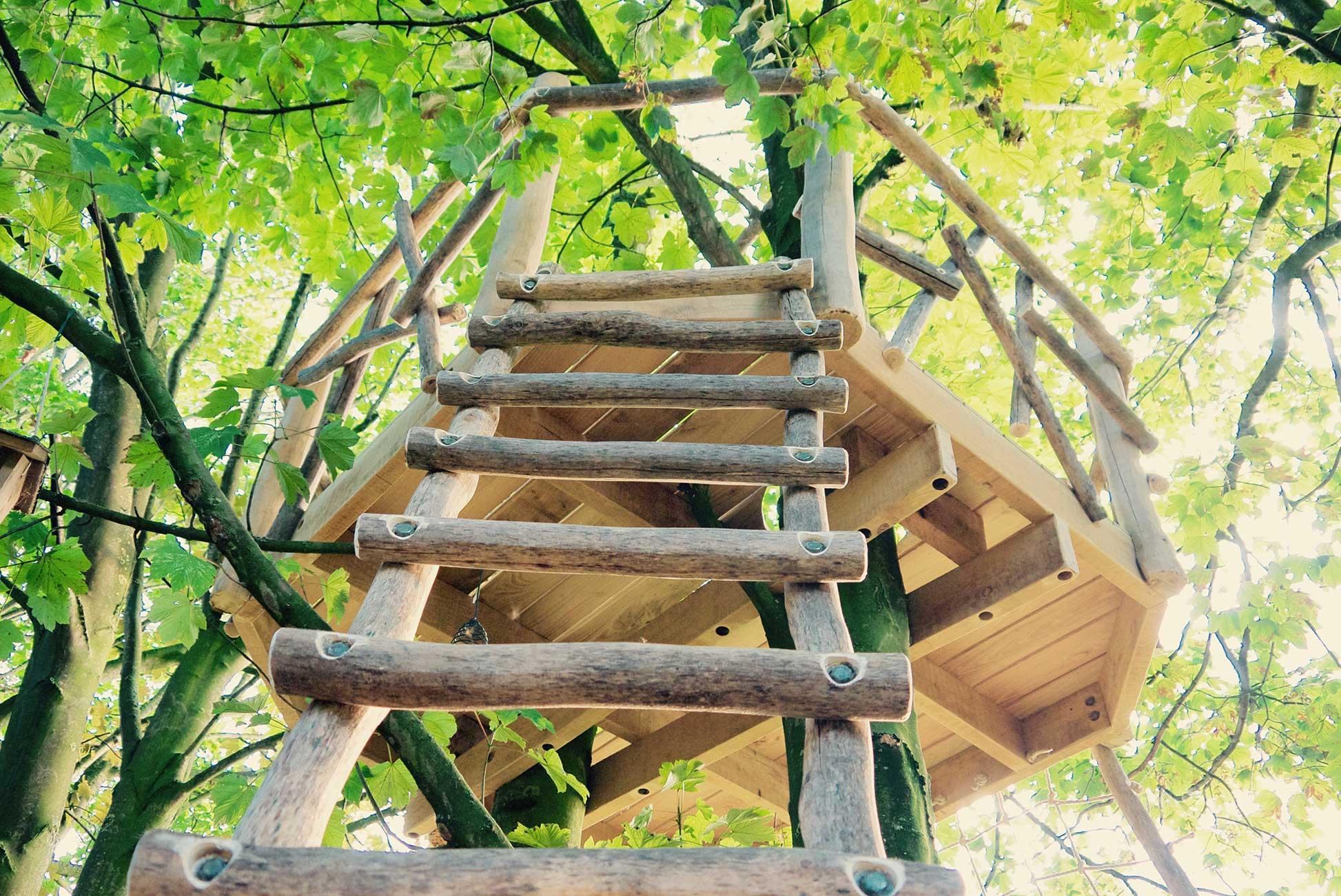 speeltoestel houten platform