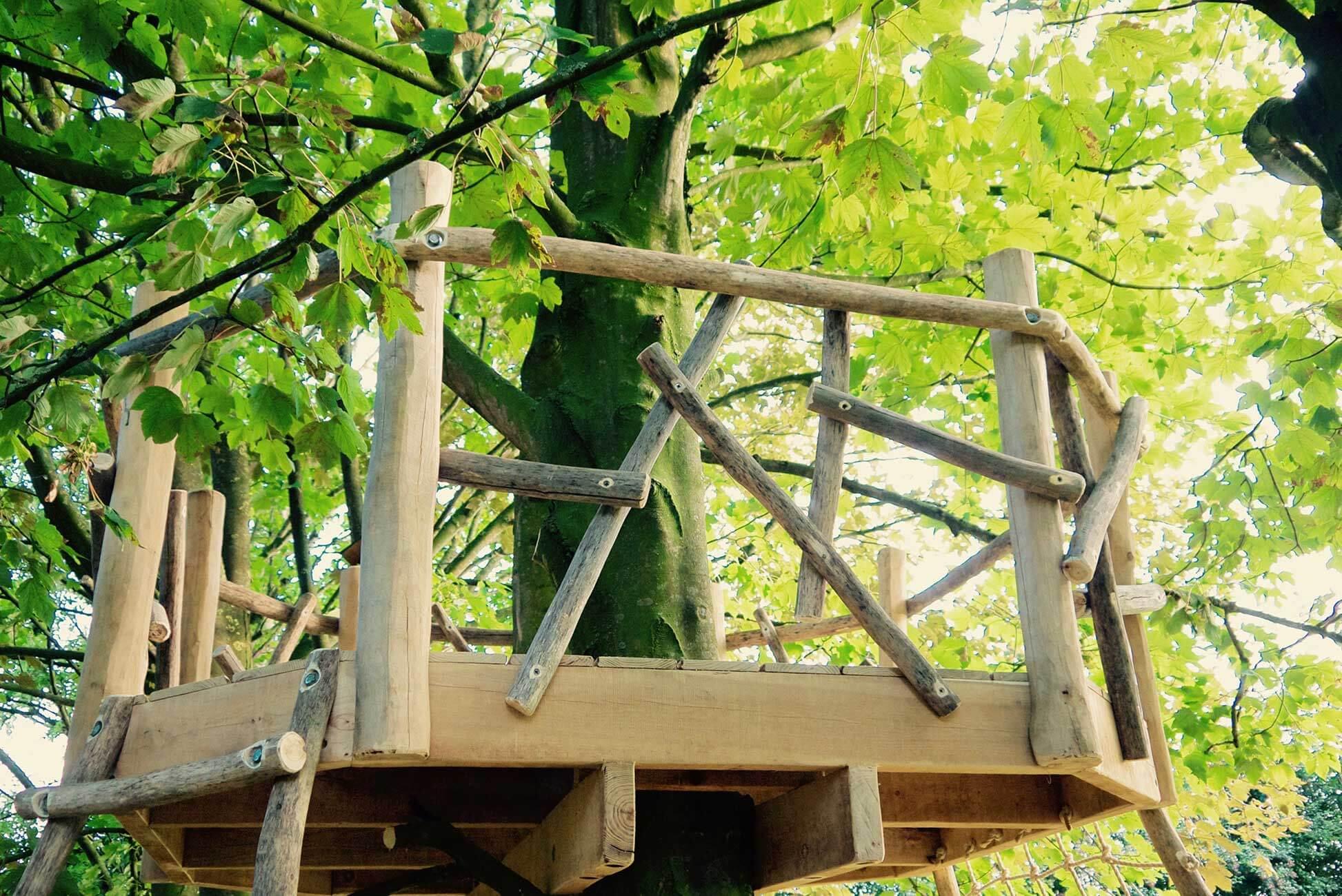 houten platform speeltoestel